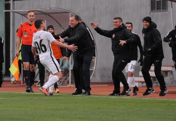 Силас празднует забитый Динамо гол